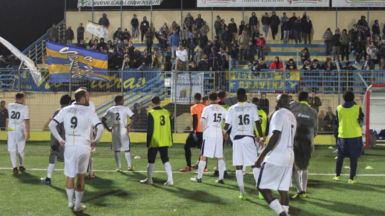 FBC Gravina – Taranto, calcio d'inizio posticipato alle 15